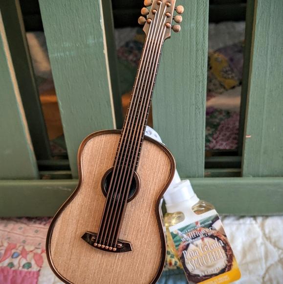 Bath & Body Guitar Plug in and Pina Colada Bundle